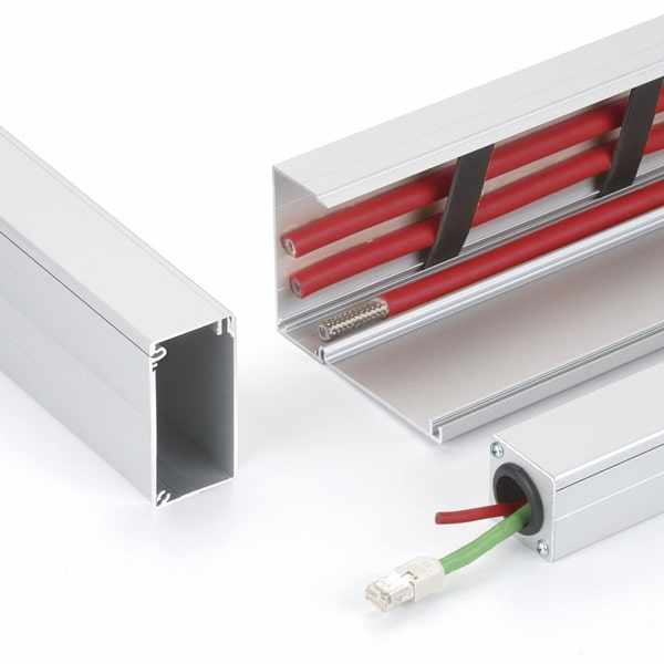 Goulottes de</br> câblage rigides</br> et flexibles